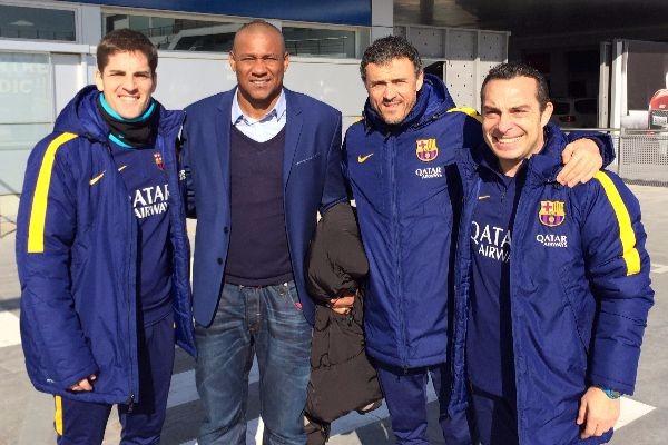 Noel Sanvicente junto a Luis Enrique y parte de su cuerpo técnico